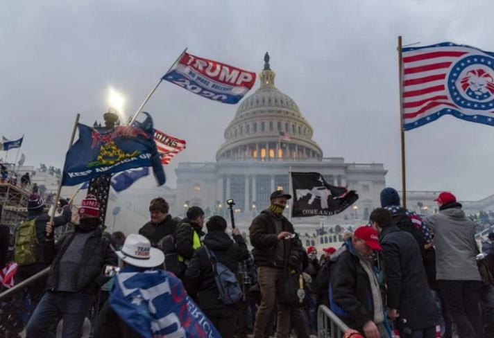 在國會之亂爆發兩天後,推特和臉書的總經理們采取了史無前例的措施,封禁了美國總統的帳號。//圖片來源:Blink OFanaye,Flickr