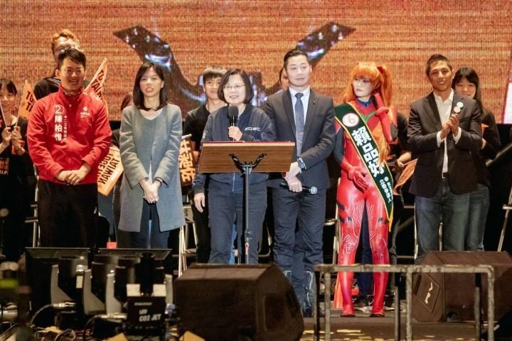 香港近來情勢讓民進黨得以重新獲得青年支持。//圖片來源:林昶佐官方臉頁
