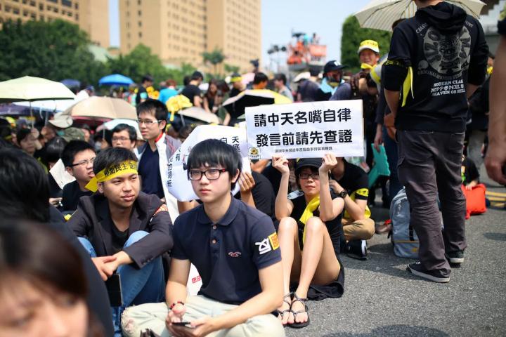 自1990年代以來,台灣最大的群眾運動都是由學生而非工人階級組織領導的。//圖片來源:Toomore Chiang,Flickr (CC)