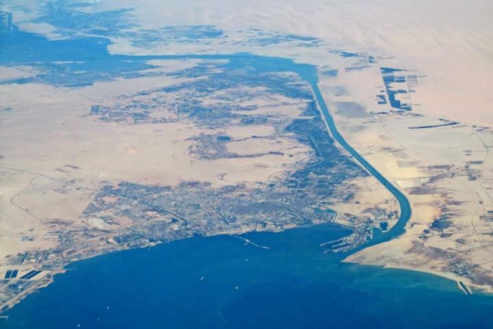 約12%的國際貿易和30%的海上貿易都要經過蘇伊士運河。在過去一週內,所有的貿易都遭耽擱。//圖片來源: Baycrest