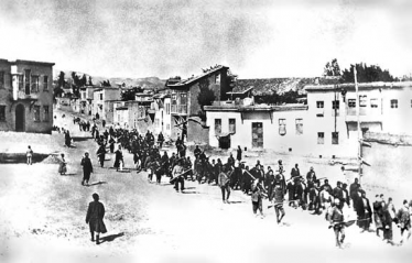 Armenians marched by Turkish soldiers 1915