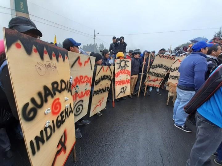Ecuador protest 2 self defence Image public domain