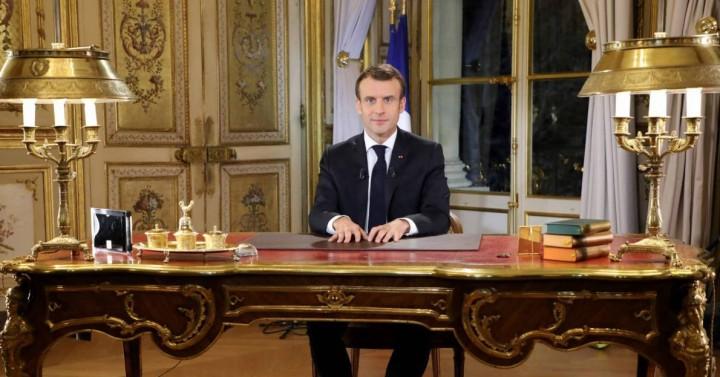 Macron carotte Image Révolution