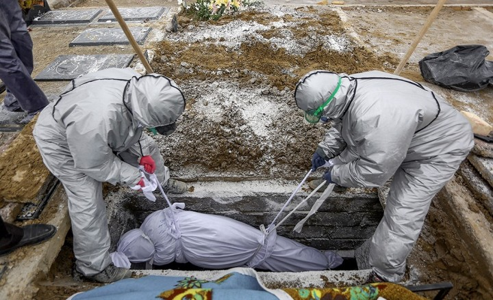 Temporary graves in Iran during COVID 19 pandemic 1 Image Behzad Alipour