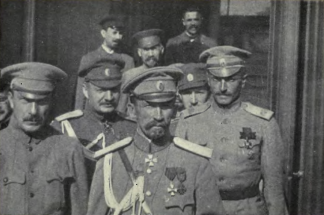 General Kornilov and his staff Image Wikimedia Commons