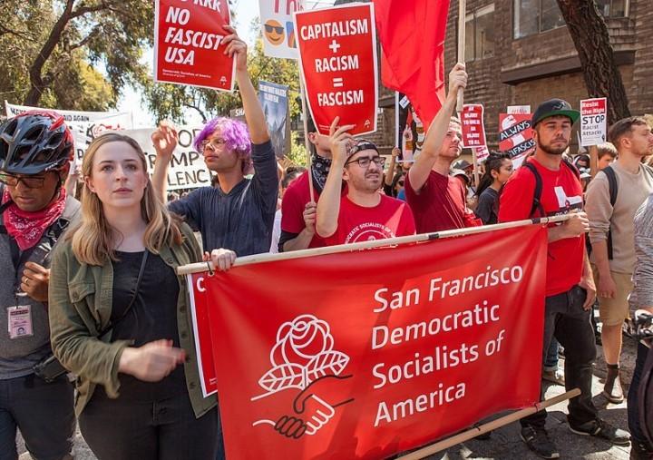 我們一直在解釋建立一個群眾性的、獨立的工人階級社會主義政黨的必要性, 以及建立一個能夠為該黨的革命計劃而鬥爭的干部組織的必要性。//圖片來源::Pax Ahimsa Gethen