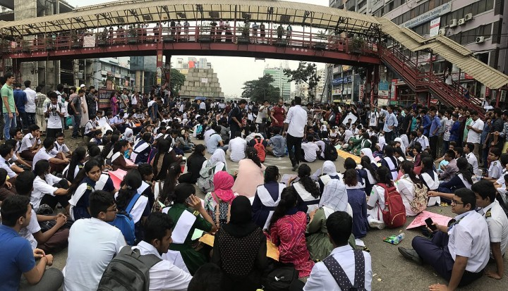 Students Blocked Road for safe Road 2 Image Asivechowdhury