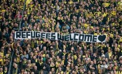 refugees-welcome-footballfans