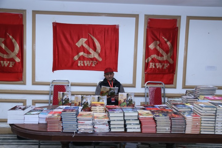 Comrades selling Marxist literature Image own work