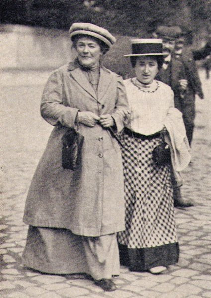 German revolutionaries Clara Zetkin and Rosa Luxemburg (1910).