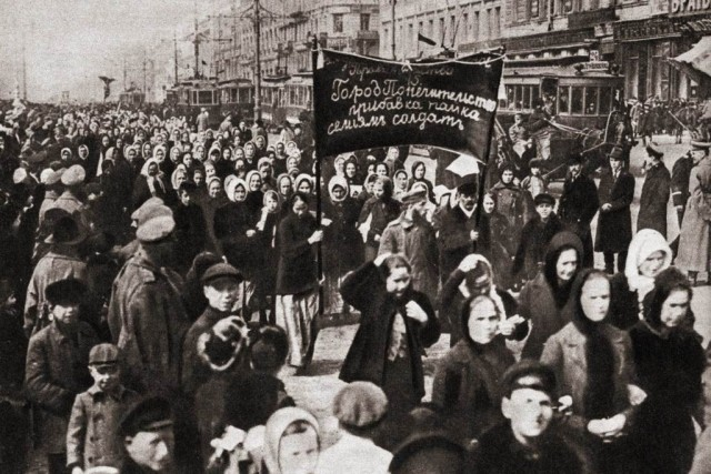 Female textile workers strike in Petrograd Image Wikimedia Commons