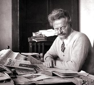 Trotsky argued that the Soviet bureaucracy could be overthrown without violence, just like the Tsarist state had been