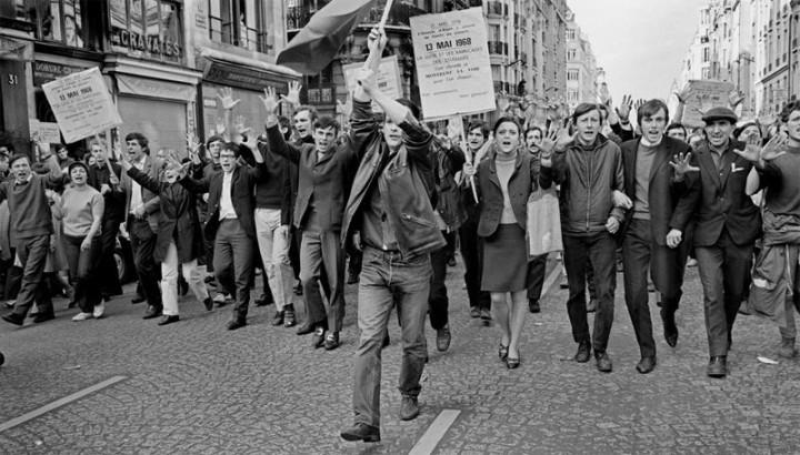 學生在革命中發揮了關鍵作用。//圖片來源:Jacek E. Giedrojc畫廊