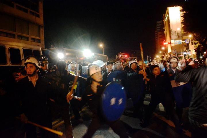 殘酷的警察鎮壓並沒有阻擋運動的上升。//圖片來源:MrWiki321,公共領域