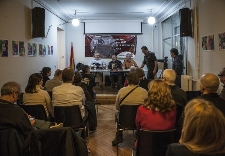 Panel and crowd for Madrid launch of Stalin Image own work
