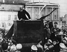 Lenin-Trotsky 1920-05-20 Sverdlov Square-highlight