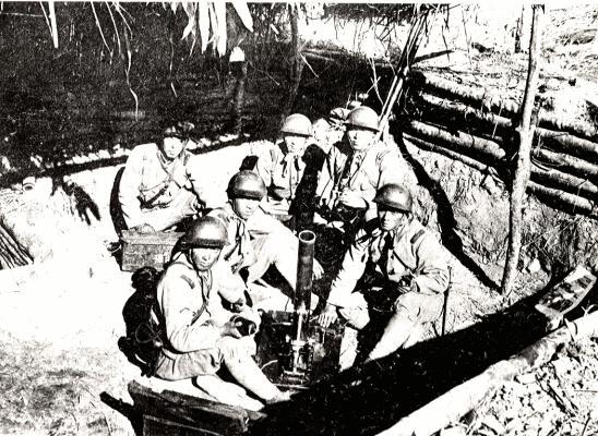 在霧社起義期間,日本士兵殘酷地轟炸了賽德克戰士。 //圖片:王仲立,公共領域