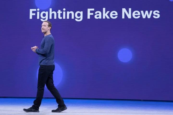 在「假新聞」時代,矽谷的資本家們決定什麼是「錯誤信息」——包括挑戰資本主義的政治觀。//圖片來源:Anthony Quintano