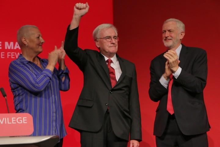 没有一个左派在提供任何可行的前进道路,因为他们没有计划或观点。//图片来源:英国《社会主义呼唤报》