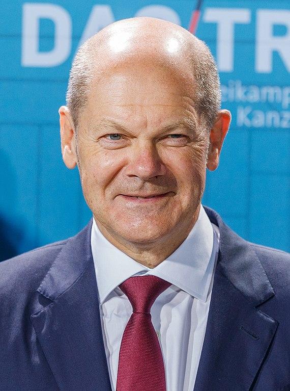 社民党的总理候选人奥拉夫·肖尔茨(Olaf Scholz)。在很长一段时间里,选举似乎将会是基民盟/基社盟和绿党之间的决战,但选民对媒体关于这两个政党的喋喋不休感到厌倦。然而,社民党的胜利并不意味着其支持基础的强大,也不意味着它的危机正在减轻。//图片来源:Steffen Prößdorf