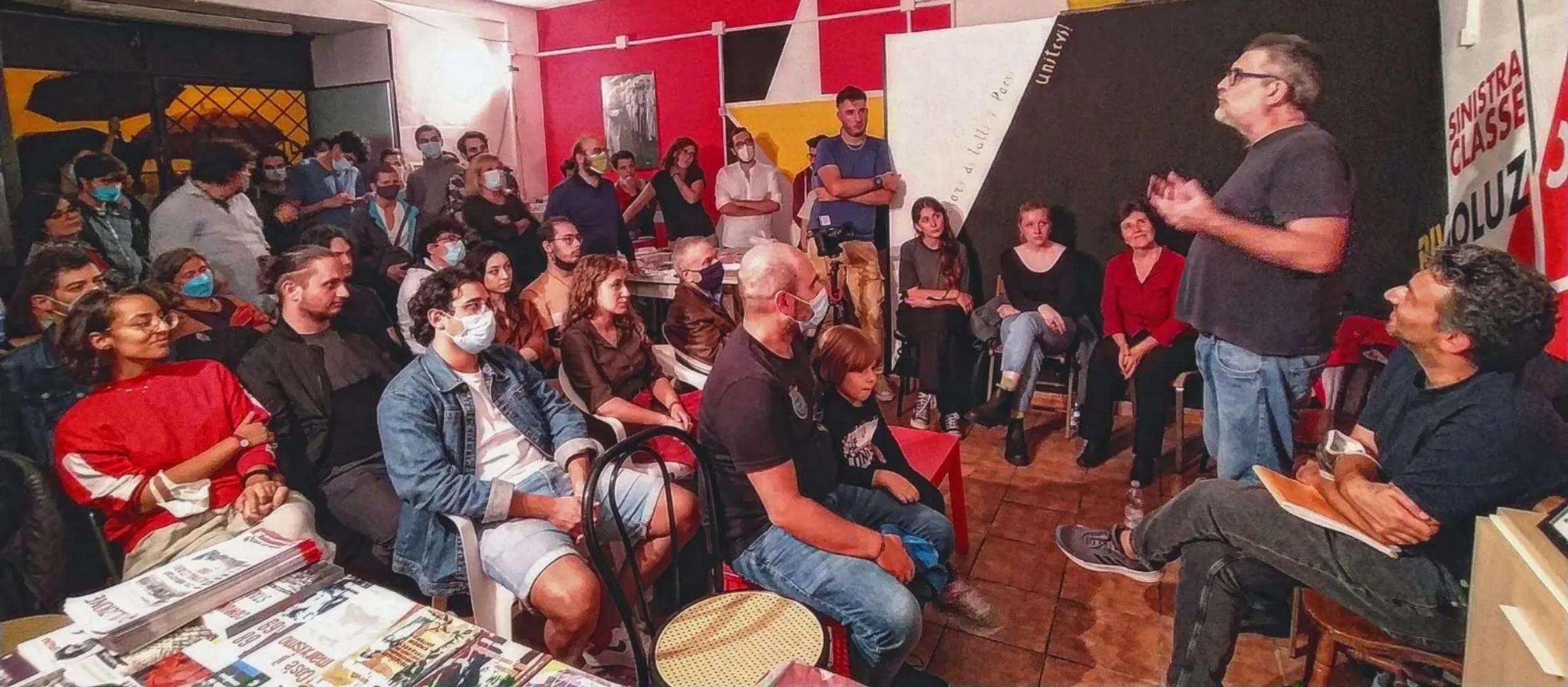 Alessandro speaking Image Sinistra Classe Rivoluzione