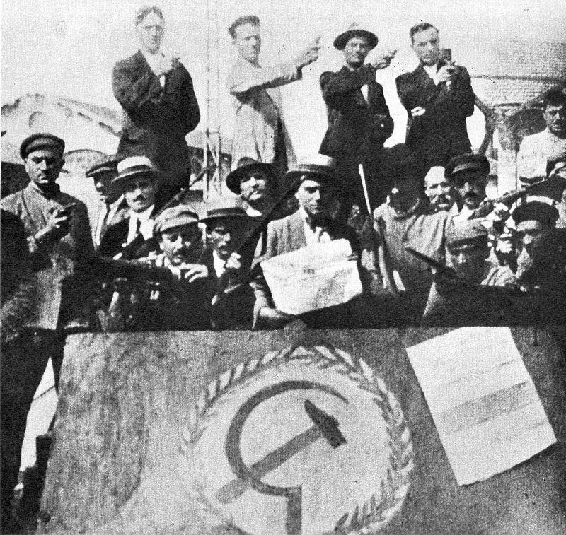 """在1919到1920年的意大利革命,也就是历史上的""""红色两年""""中,葛兰西通过《新秩序》号召意大利社会党(PSI)以号召""""一切权力归工厂委员会""""的革命性计划来武装工业无产者和贫农。//图片来源:公共领域"""