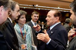 26 October, Berlusconi speaking with Zapatero. Photo: European Council
