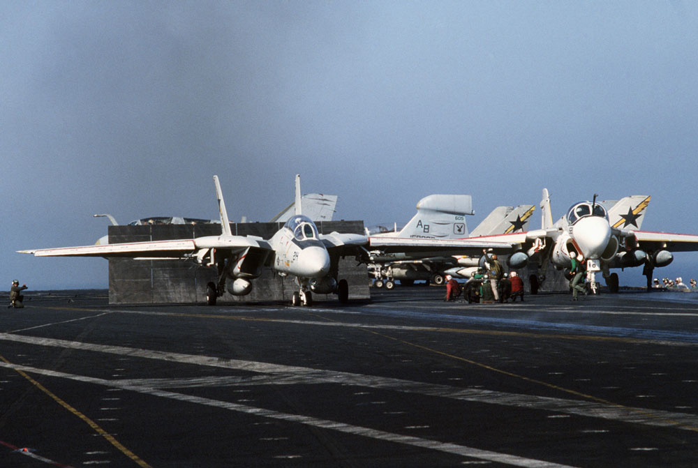 F-14 preparing for mission in 1986. Photo: PHAN David Casper, USN
