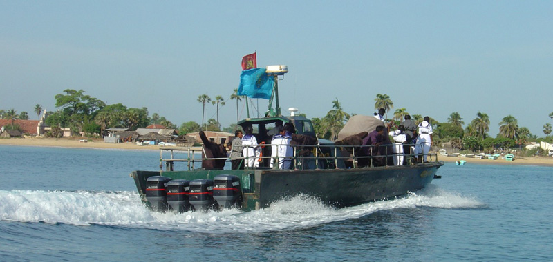 LTTE Sea Tiger boat patrolling. Photo by Ulflarsen.