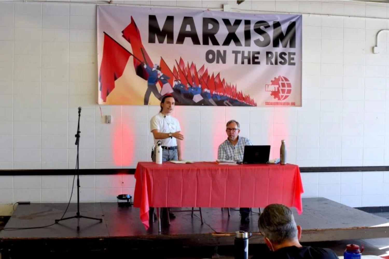 sunday Image Socialist Revolution